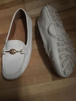 $165 COACH Arlene 9.5B Ivory driver loafer women's leather